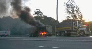 Hotwheel - Truck Fire 2014